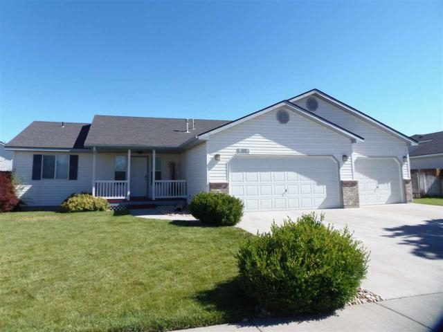 112 NE Victor Gust Drive, Mountain Home, ID 83647 (MLS #98738122) :: Idahome and Land