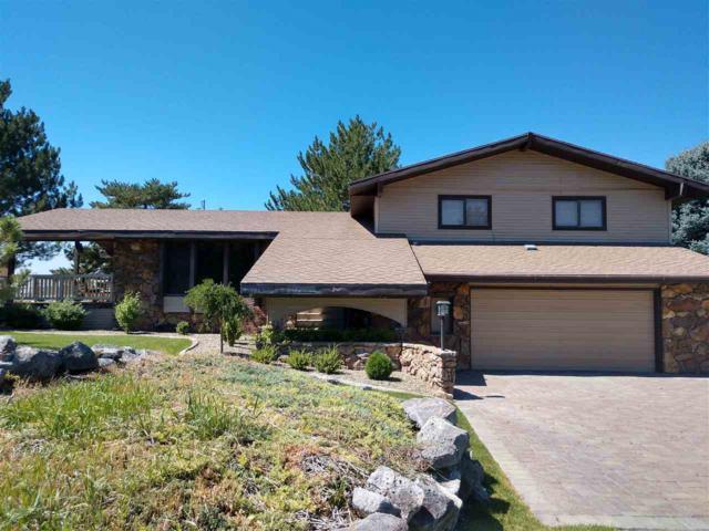4055 Canyon Ridge Dr, Twin Falls, ID 83301 (MLS #98738207) :: Bafundi Real Estate