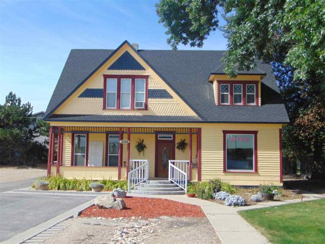 208 W Main St, Middleton, ID 83644 (MLS #98738701) :: New View Team