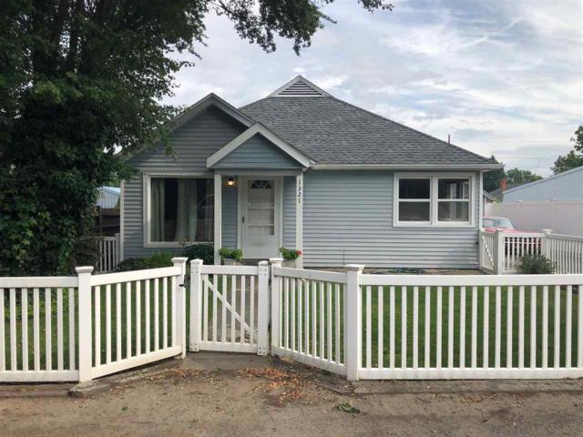 1321 16th Ave, Lewiston, ID 83501 (MLS #98740112) :: New View Team