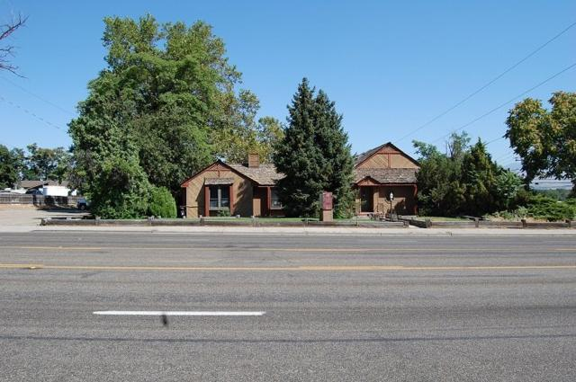 5402 W Overland Rd, Boise, ID 83705 (MLS #98740383) :: Team One Group Real Estate