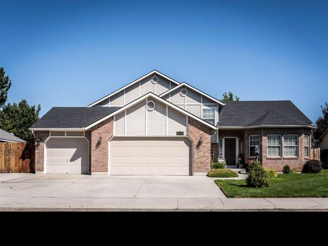 3341 N Summerfield, Meridian, ID 83646 (MLS #98741001) :: New View Team