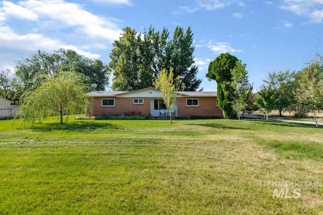355 E Beacon Light Rd, Eagle, ID 83616 (MLS #98743745) :: New View Team
