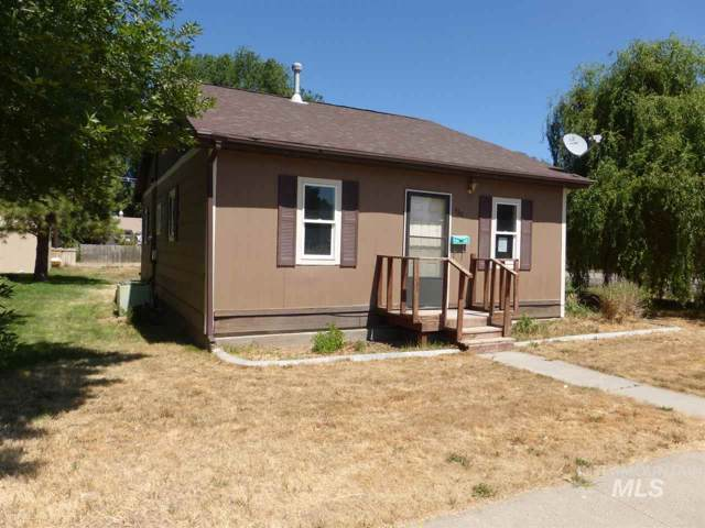 420 4th Avenue E, Jerome, ID 83338 (MLS #98744237) :: Alves Family Realty