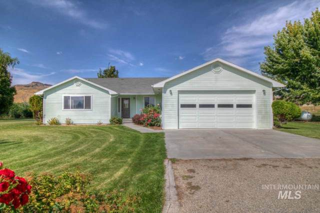 2800 N Plaza Rd, Emmett, ID 83617 (MLS #98744669) :: Givens Group Real Estate