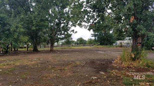215 Johnson Rd., Fruitland, ID 83619 (MLS #98744734) :: Alves Family Realty