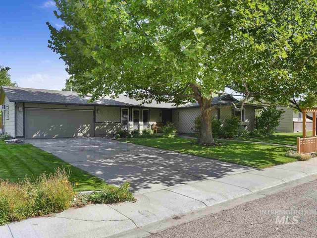 16 Park Dr, Nampa, ID 83651 (MLS #98744835) :: Givens Group Real Estate