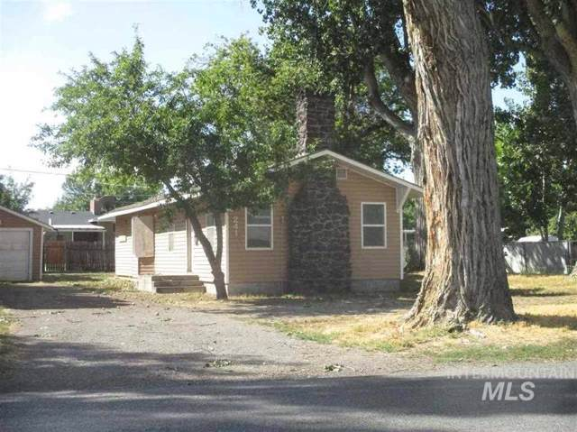 241 Filer Avenue West, Twin Falls, ID 83301 (MLS #98744855) :: Givens Group Real Estate