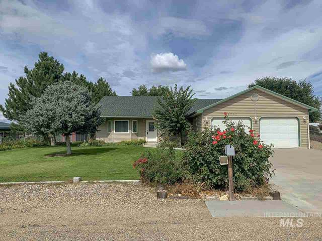 29040 Apple Way, Parma, ID 83660 (MLS #98745296) :: New View Team
