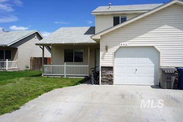 442-444 NW Wood Duck Place, Mountain Home, ID 83647 (MLS #98745719) :: New View Team