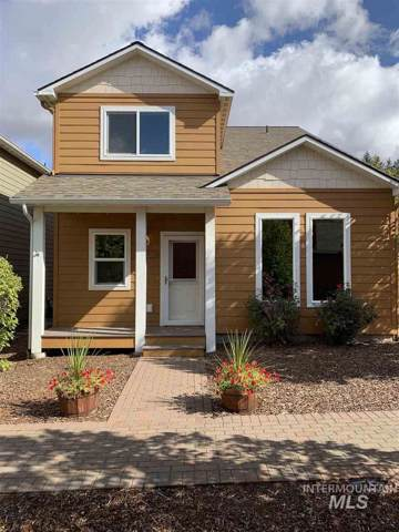 1364 Bristol Rd, Moscow, ID 83843 (MLS #98746855) :: Juniper Realty Group