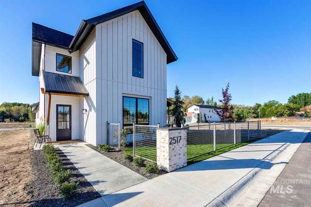 2517 W Iron Coop St, Eagle, ID 83616 (MLS #98746960) :: Full Sail Real Estate