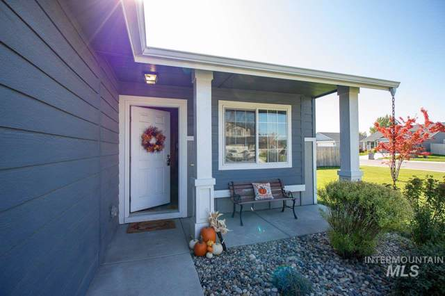 1010 Empire Dr, Caldwell, ID 83607 (MLS #98747528) :: City of Trees Real Estate