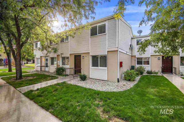 882 S Curtis, Boise, ID 83705 (MLS #98748022) :: Full Sail Real Estate