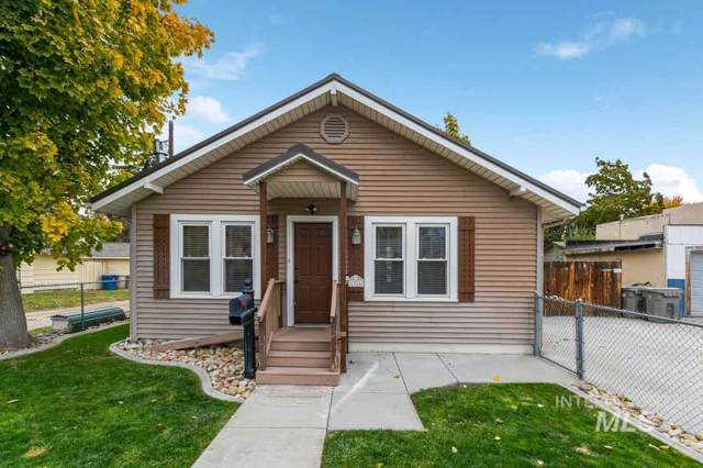 1916 2ND ST S, Nampa, ID 83651 (MLS #98748094) :: New View Team