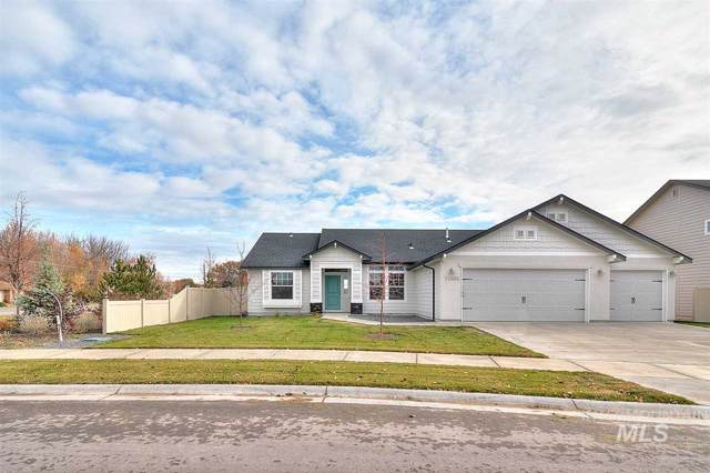 843 SW Levant Way, Mountain Home, ID 83647 (MLS #98749485) :: Juniper Realty Group