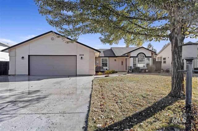 2518 N Meadowglen Pl, Meridian, ID 83646 (MLS #98749675) :: Boise River Realty