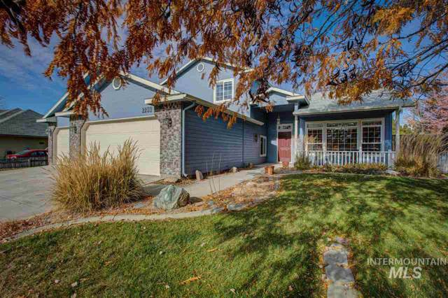 2200 W Sonoma Drive, Meridian, ID 83642 (MLS #98750636) :: Boise River Realty