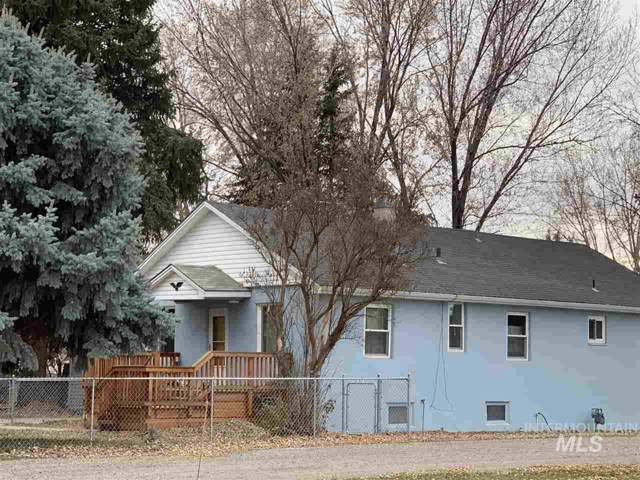 705 Wyoming Street, Gooding, ID 83330 (MLS #98750997) :: 208 Real Estate