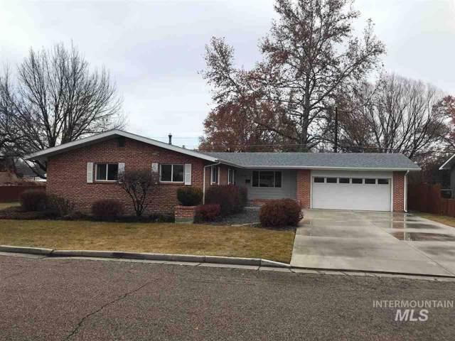 319 Windsor Drive, Caldwell, ID 83605 (MLS #98752300) :: Bafundi Real Estate