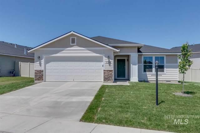 860 SW Lago Dr, Mountain Home, ID 83647 (MLS #98752795) :: Idaho Real Estate Pros