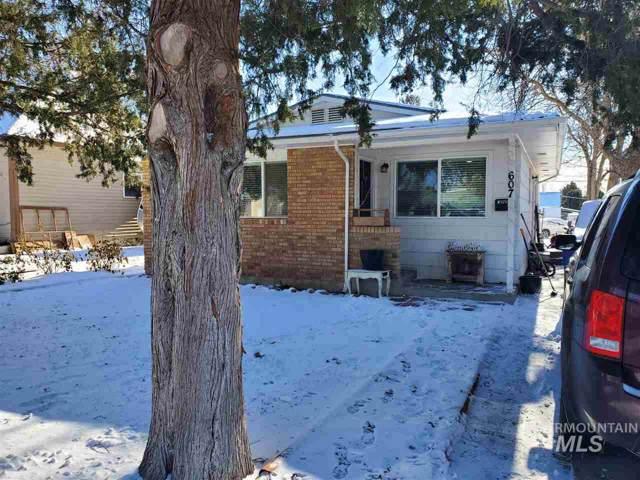 607 E Ave B, Jerome, ID 83338 (MLS #98754497) :: Jon Gosche Real Estate, LLC