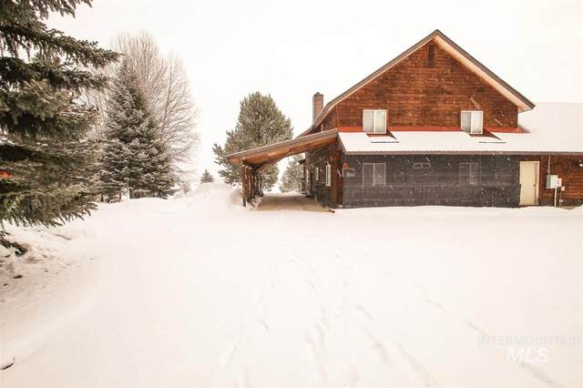 572 Cabarton, Cascade, ID 83611 (MLS #98756761) :: Bafundi Real Estate