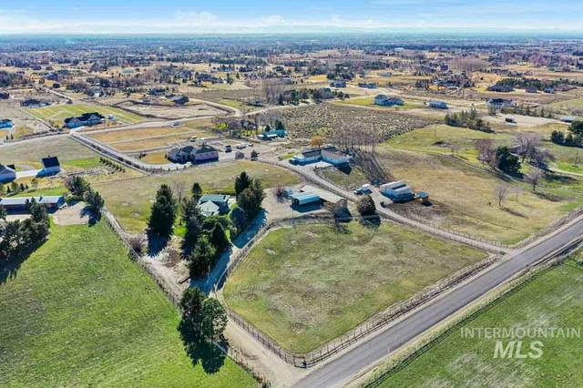 501 W Stillwell Dr, Eagle, ID 83616 (MLS #98757093) :: Givens Group Real Estate