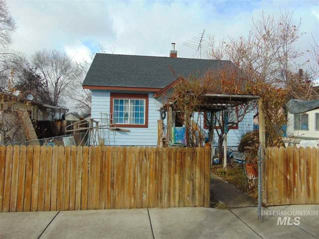 1107 14TH AVE S, Nampa, ID 83651 (MLS #98757272) :: Team One Group Real Estate