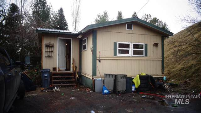 2127 North Polk, Moscow, ID 85845 (MLS #98757512) :: New View Team