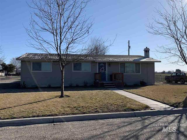 902 S Arizona, Fruitland, ID 83619 (MLS #98757799) :: City of Trees Real Estate