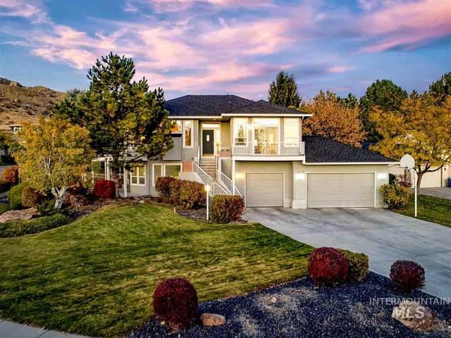 3214 E Boulder Heights Drive, Boise, ID 83712 (MLS #98758055) :: Jon Gosche Real Estate, LLC