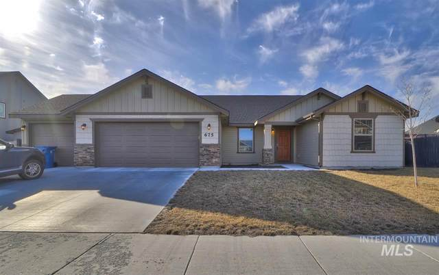 675 SW Huebert Street, Mountain Home, ID 83647 (MLS #98758088) :: Boise River Realty