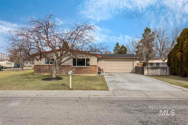 2050 N Charitan Dr, Boise, ID 83713 (MLS #98758104) :: City of Trees Real Estate
