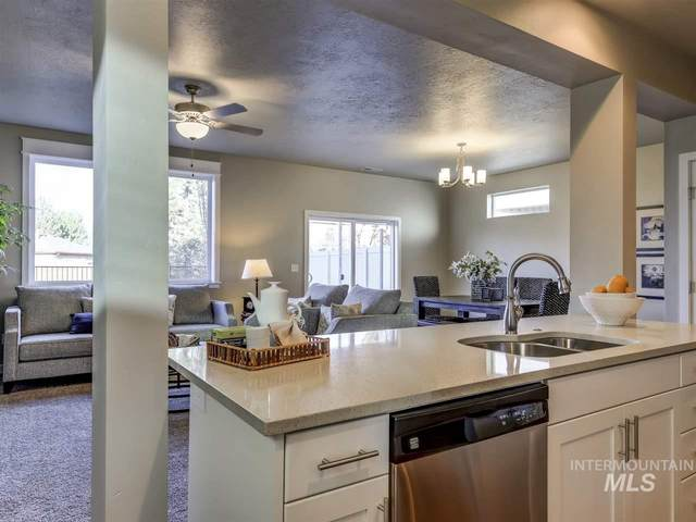 4076 E Esperanto St, Meridian, ID 83642 (MLS #98758155) :: New View Team