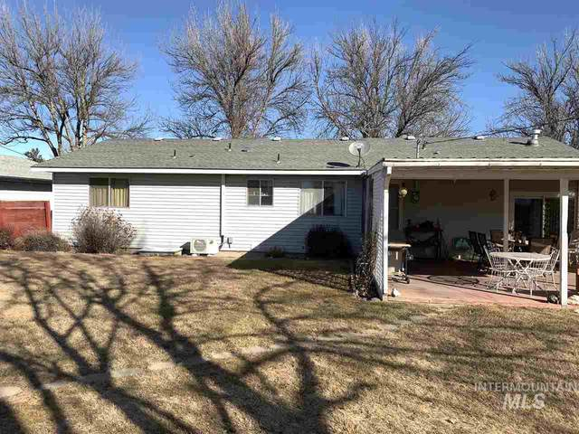 425 5th Ave E, Wendell, ID 83355 (MLS #98758223) :: Full Sail Real Estate