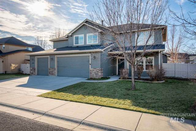 5323 W Moonlake Dr., Meridian, ID 83646 (MLS #98758547) :: Team One Group Real Estate