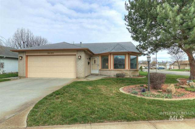 8490 W Clubhouse Lane, Garden City, ID 83714 (MLS #98761171) :: City of Trees Real Estate