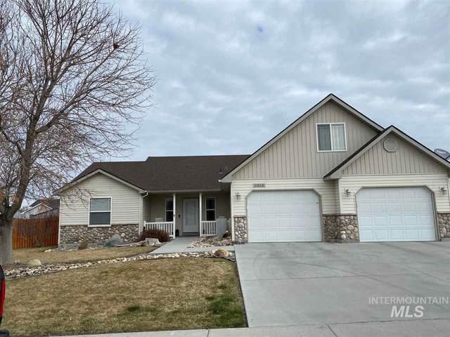 1548 NE Idarock St, Mountain Home, ID 83647 (MLS #98761285) :: Idaho Real Estate Pros
