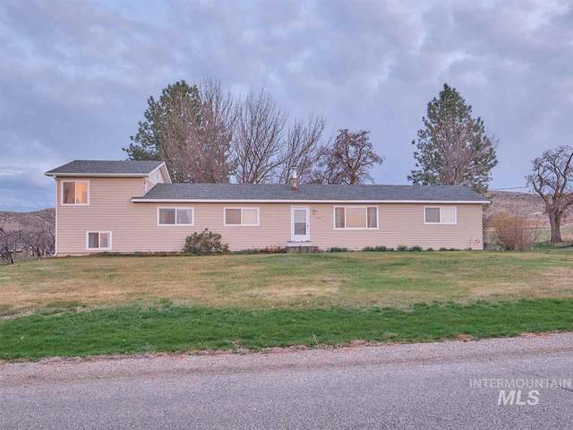 8171 Bill Burns Rd, Emmett, ID 83617 (MLS #98762019) :: Juniper Realty Group