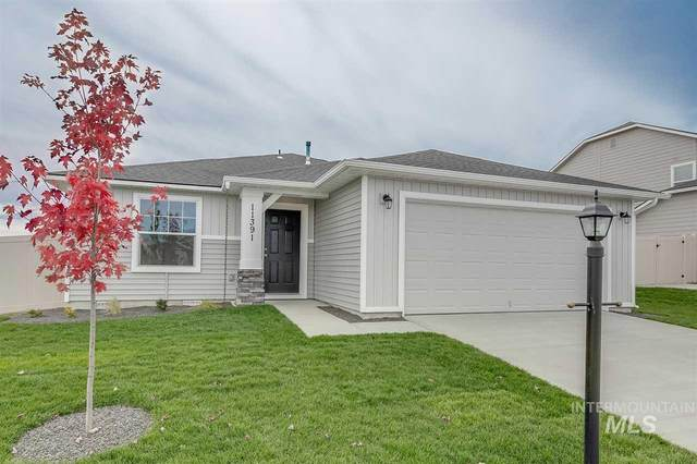 820 SW Lago Dr., Mountain Home, ID 83647 (MLS #98762068) :: Boise Home Pros