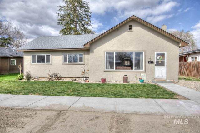 718 E 2ND STREET, Emmett, ID 83617 (MLS #98762137) :: Juniper Realty Group