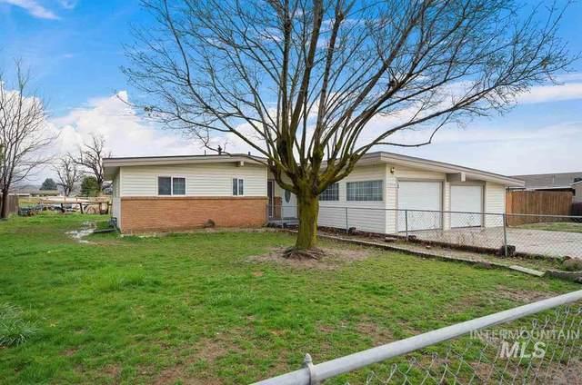 1966 Fenton Dr, Emmett, ID 83617 (MLS #98762512) :: City of Trees Real Estate
