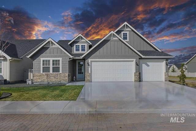 4499 N Tirso Avenue, Meridian, ID 83646 (MLS #98762646) :: Full Sail Real Estate