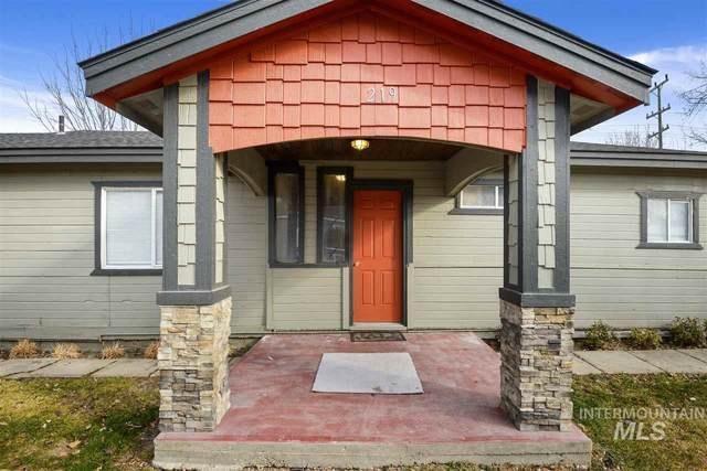 219 9th Ave N, Nampa, ID 83687 (MLS #98762804) :: New View Team