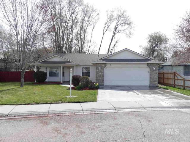 8 N Borah Way, Nampa, ID 83651 (MLS #98762933) :: Own Boise Real Estate