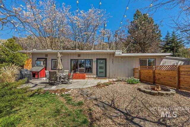 4281 N Ginzel St, Boise, ID 83703 (MLS #98763226) :: Navigate Real Estate