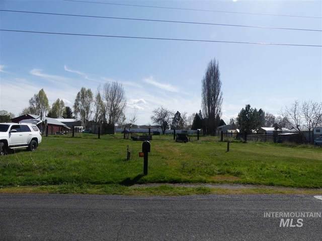 1820 Burrell Ave, Lewiston, ID 83501 (MLS #98763260) :: Beasley Realty