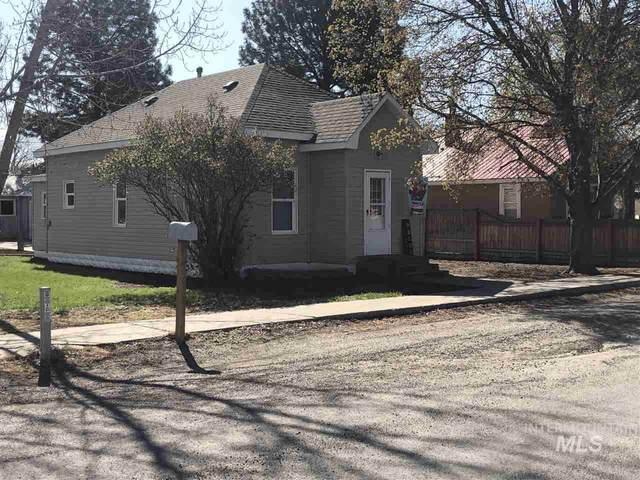 102 0Regon Street, Gooding, ID 83330 (MLS #98764476) :: Jon Gosche Real Estate, LLC