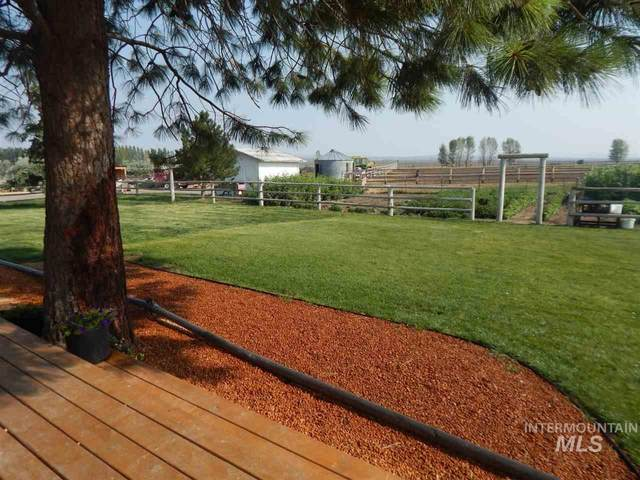 240 E Highway 26, Shoshone, ID 83352 (MLS #98764516) :: Beasley Realty